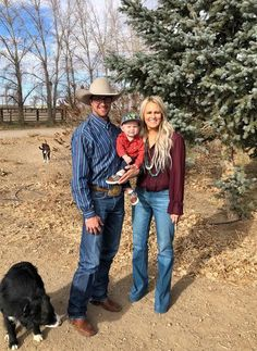 Haute On The Ranch: A Q&A With {the coolest ranch wife & mama} Jessie – Savannah Sevens Western Chic Cowboy Outfits For Women, Cowgirl Outfits, Western Outfits, Best Friend Pictures, Life Pictures, Western Family Photos, Future Mom, Future Goals, Country Relationships