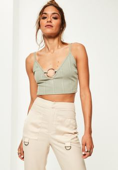 Missguided - Petite Exclusive Green Bandage Ring Front Bralet