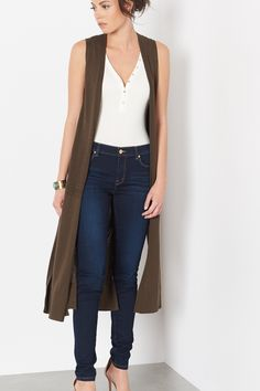 Perfect for layering over a crop top and culottes.