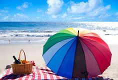 Whether you are in a day at a park or a ,don't forget to take these full color umbrellas that are sure to protect your skin from the scorching sun . Summer Special, Summer Fun, Comida Picnic, Picnic Time, Barbacoa, Beach Fun, Sunny Beach, Free Design, A Food