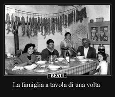 La famiglia a tavola di una volta