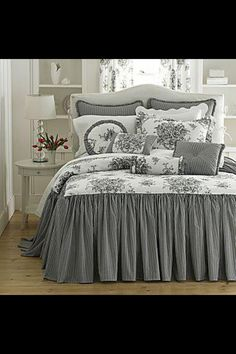 Trendy bedroom ideas grey and white bedspreads Bedroom Black, Dream Bedroom, Trendy Bedroom, Modern Bedroom, Bedroom Colors, Bedroom Decor, Bedroom Ideas, Home Interior, Interior Design