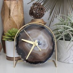 Another Unique Earthtone Agate Desk Clock! Modern Bohemian, Bohemian Decor, Woodworking Art Ideas, Agate Decor, Desk Clock, Gold Paint, Earth Tones, Resin Art, Wood Crafts