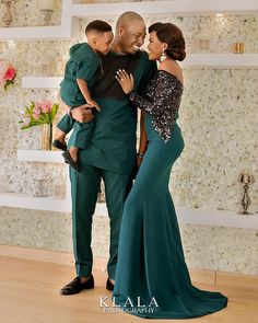 nigerian dress styles We're rejigging our Asoebi styles collection! From Asoebi Styles onward we'll be seeing mix of women Asoebi styles, Couples Asoebi and that of men Couples African Outfits, African Clothing For Men, African Dresses For Women, Latest African Fashion Dresses, African Inspired Fashion, African Print Fashion, Nigerian Men Fashion, African Wedding Attire, African Attire
