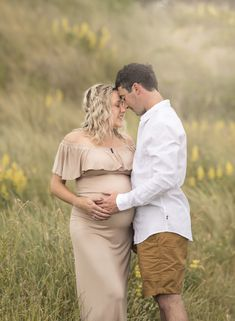 This latte coloured gown is set off so beautifully by the tones in the sand dunes, the lovely yellows, creams and sage greens offset and enhance the beauty of the dress. Sunset Maternity Photos, Maternity Session, Simple Gowns, Eye Photography, Bright Eyes, Maternity Photographer, Pregnancy Photos, Photo Sessions
