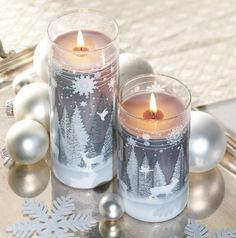 Yankee Candle's Woodland Snow Candle Collection gives off a clean, minty scent that's perfect for the holiday hostess' home. #hostessgifts #holidays2014 #candles