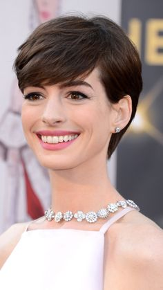 The Best Short Haircuts by Face Shape: The Pixie: Perfect for Oval, Square, Round & Heart-Shaped. Anne Hathaway, a Jewel-tone Summer. Cute Pixie Haircuts, Best Short Haircuts, Pixie Hairstyles, Trendy Hairstyles, Haircut Short, Hairstyle Short, Medium Hairstyles, Square Face Hairstyles, Hairstyles For Round Faces