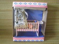 Kolébka s panenkou rok 1981. Retro Toys, Toddler Bed, Lunch Box, Childhood, Memories, Home Decor, Pictures, Nostalgia, Child Bed