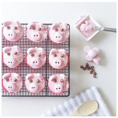 Pink Pig Cupcakes | 8 Year Old's Party instagram.com/mintandfizz #pink #pig #cupcakes #flatlay #foodstyling #countryroadhome #marshmallow