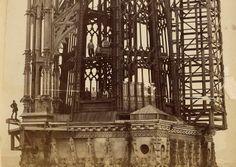 Construcción de los pináculos de la torre de la catedral de Rouen, agosto de 1881. De vértigo. Una auténtica Torre de Babel.