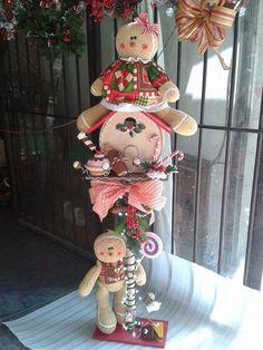 Pinterest • El catálogo de ideas global Gingerbread Crafts, Gingerbread Decorations, Christmas Gingerbread, Christmas Candy, Xmas Decorations, All Things Christmas, Christmas Time, Christmas Crafts, Gingerbread Men