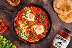 This quick and easy, gluten free Shakshuka recipe has a little, spicy Mexican twist! It's a low carb, healthy and compliant dinner or breakfast! Spinach Stuffed Mushrooms, Stuffed Peppers, Shakshuka Recipes, Middle Eastern Dishes, Spicy Tomato Sauce, Chopped Spinach, Fresh Coriander, Smoked Paprika, Health Matters