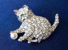 Swarovski Signed Vintage Crystal Kitten With Ball Brooch, Swarovski Cat  Brooch, Crystal Cat Pin, Vintage Swarovski Kitten Pin
