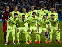 FC Barcelona Team Photo   UEFA Champions League Quarter Finals (1st leg): PSG 1 - FC Barcelona 3   April 15, 2015.