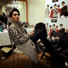 Kim Kibum - our diva. I want to see all his fashion photo's now! Okay I have always wanted to see them:) Will he have his own fashion empire like Rain? I want to buy Key's clothes. I'm fashion fangirling:)