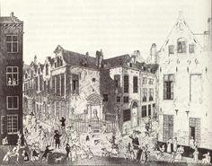 Manneken Pis a été volé à plusieurs reprises, notamment par des soldats Français de Louis XV. Face à l'indignation des habitants, la statue fut officiellement restituée, symboliquement anoblie et dotée d'un costume de marquis.