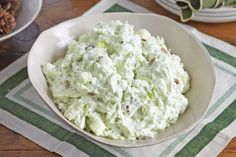 ) JELL-O Pistachio flavor fat free sugar free instant pudding 1 can oz.) crushed pineapple in juice, undrained 1 cup vanilla low-fat yogurt cups thawed Cool Whip Free Whipped Topping, divided Directions: Mix dry pudding Kraft Recipes, Ww Recipes, Cooking Recipes, Healthy Recipes, Kraft Foods, What's Cooking, Family Recipes, Healthy Eats, Slimming Recipes
