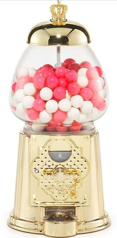 Oh my.   How fun would this gumball machine be on a desk or a little girls room?