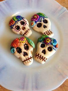 Dia de los Muertos -- Day of the Dead Sugar Skull tutorial by Jennifer Cameron, from Art Jewelry Elements Blog.