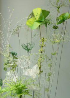 Laurence Aguerre - Explorations et Sculptures Textiles Giant Flowers, Diy Flowers, Fabric Flowers, Paper Flowers, Art Floral, Stylo 3d, Sculpture Textile, Fleurs Diy, Creation Deco