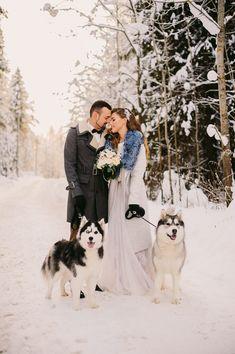 Snowy Wedding, Dog Wedding, Wedding Designs, Wedding Styles, Wedding Photos, Winter Engagement, Wedding Engagement, Wedding Planning, Wedding Inspiration