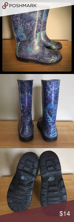 Kids | Nordstrom Rain Boots / 13 Kids | High quality multi-colored rain boots in rich purples, blues and greens w/ a protective plastic-like coating over underlying fabric of boot in a good gently used condition size 13. No identifying brand name on/in boot; however, purchased at Nordstrom. Nordstrom Shoes Boots