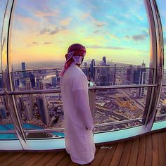 #Dubai Enjoy The Sunset from Burj Khalifa ➖➖➖➖➖➖➖➖➖➖➖➖➖➖➖➖➖ Photo Credit : @aljaziri_a