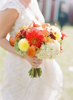 REVEL: Dahlia Bouquet
