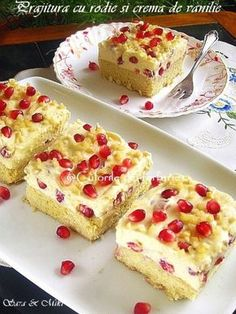 » Prajitura cu rodie si crema de vanilieCulorile din Farfurie Cake Recipes, Dessert Recipes, Homemade Sweets, Romanian Food, Different Cakes, Food Cakes, Something Sweet, Holiday Desserts, Cake Cookies