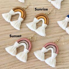 Macrame Art, Macrame Jewelry, Macrame Projects, Macrame Knots, Fringe Earrings, Diy Earrings, Diy Macrame Earrings, Ear Climber, Jewelry Crafts