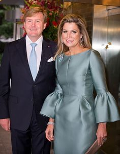 King Willem-Alexander and Queen Maxima of the Netherlands hosted a reception and concert on their final evening in Japan. Royal Dutch, Estilo Fashion, Queen Maxima, Royal Fashion, Dress Codes, Dress Me Up, Elegant Dresses, Couture Fashion, Mother Of The Bride