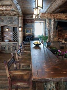 Kitchen bar with wood everywhere with reclaimed wood (even better!). #countryhomes #countryhomesdining
