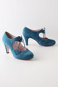 I WANT THESE! Singing in the Rain shoes <3