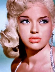 """colorized-toshio: """"Diana Dors October 1931 – 4 May was an English actress, born Diana Mary Fluck in Swindon, Wiltshire. Considered the English equivalent of the blonde bombshells of. Diana Dors, Vintage Hollywood, Hollywood Glamour, Hollywood Actresses, Beauty Planet, Star Actress, English Actresses, 1950s Fashion, Lingerie Models"""