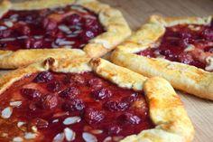 Višňová crostata - Avec Plaisir Pepperoni, Pizza, Desserts, Food, Tailgate Desserts, Deserts, Essen, Postres, Meals