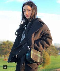 Dasha Taran Lovely Picture and Photo - Hotgirl. Beautiful Girl Image, Beautiful People, Goth Beauty, Russian Beauty, Tumblr Girls, Famous Women, Ulzzang Girl, Beauty Women, Cute Girls