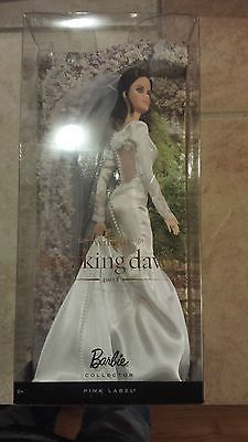 Twilight Saga Breaking Dawn Barbie Bella Wedding Dress Figure. $155. $15