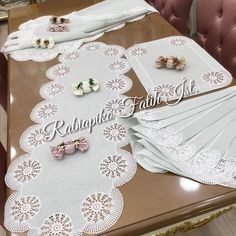Crochet Tablecloth, Cutwork, Hand Embroidery, Diy And Crafts, Projects To Try, Elsa, Pattern, Instagram, Towels