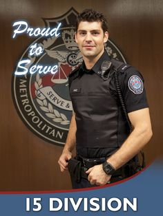 Mmhmm that's my man on Rookie Blue. Now if only I can find a man in real life who looks like him ;-)