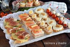 5 aperitivos o canapés fáciles y rápidos - Cocinera y Madre Low Carb Food List, Low Carb Recipes, Canapes Faciles, Big Tasty, Decadent Cakes, Mushroom Recipes, Baby Food Recipes, Finger Foods, Catering