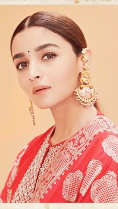 Indian Clothes, Indian Outfits, Bollywood Fashion, Bollywood Actress, Alia Bhatt Photoshoot, Aalia Bhatt, Alia Bhatt Cute, Chloe Grace, Cute Woman