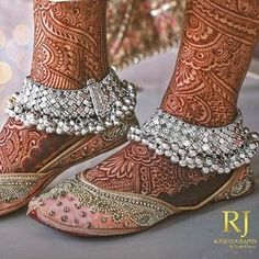 Look at our Anklets - Ladies made from a great assortment at Jewellery. Indian Wedding Jewelry, Indian Jewelry, Bridal Jewelry, Payal Designs Silver, Anklet Designs, Mehndi Designs, Silver Anklets, Silver Jewelry, Silver Rings