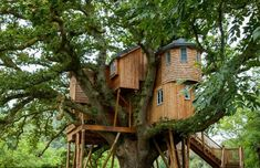Live in Harmony with Nature in These Super Sexy Tree House Cab... / The Green Life <3