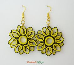 12 Awesome Paper Quilling Jewelry Designs To Start Today Quiling Earings, Paper Quilling Earrings, Paper Quilling Patterns, Quilling Paper Craft, Paper Jewelry, Paper Beads, Beaded Jewelry, Quilling Rakhi, Rakhi Design