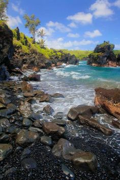 Black sand beach in Waianapanapa State Park, Maui, Hawaii