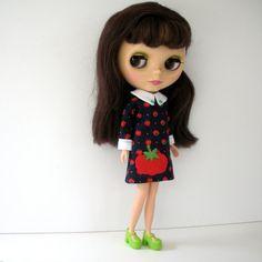 Blythe doll in tomato dress <3