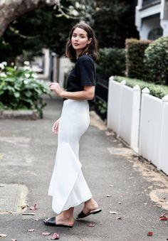 ce576706c1 Las faldas de sirena serán las estrellas de nuestros estilismos esta  primavera Minimal Fashion, White