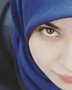 حلال الطيف  چي يَشرب حَچي عيونك  حلال اتبوگنه عيونك  يـ دلاّل الهوه شلونك Hijab Fashion, Girl Fashion, Womens Fashion, Real Beauty, Beauty Women, Beautiful People, Most Beautiful, Poetry Anthology, Bridal Hijab