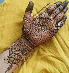 Traditional Mehndi Designs, Legs Mehndi Design, Full Hand Mehndi Designs, Stylish Mehndi Designs, Mehndi Designs 2018, Mehndi Design Pictures, Mehndi Designs For Girls, Wedding Mehndi Designs, Dulhan Mehndi Designs