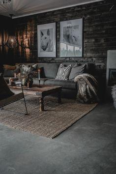 Modern Spaces, Home Fashion, Architect Design, Black Wood, Modern Rustic, Modern Interior, Rustic Decor, Cabin, Living Room